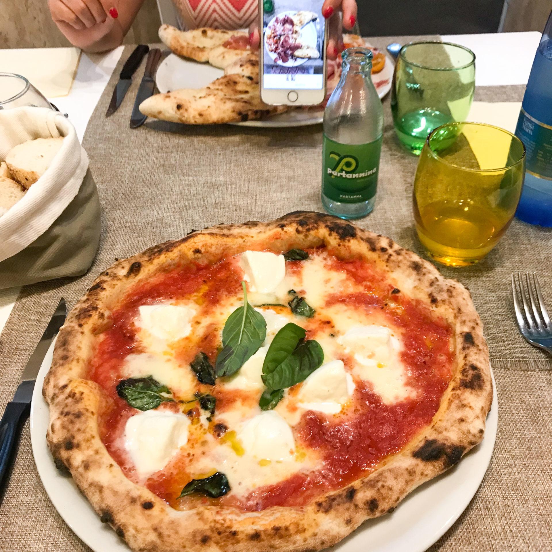 pizza napoletana pace e bene