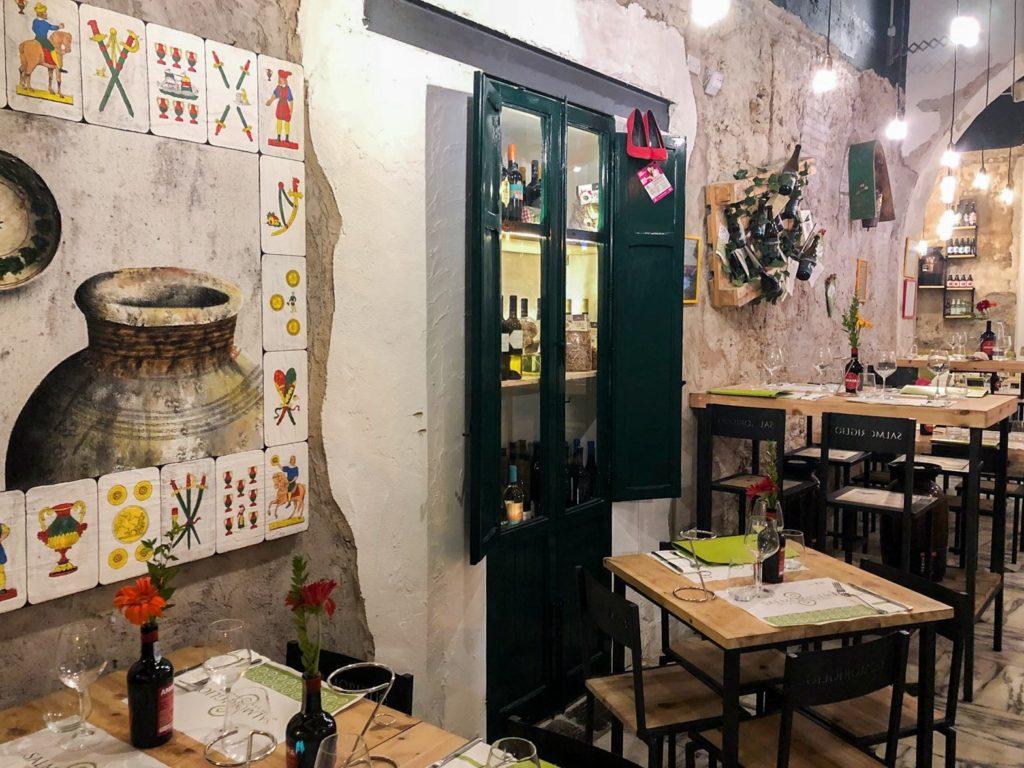 locale interno di Salmoriglio a Palermo