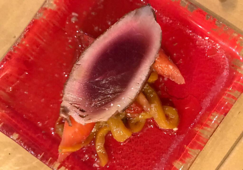 tonno con peperonata di fragole, osteria rituale Caro Melo carmelo chiaramonte