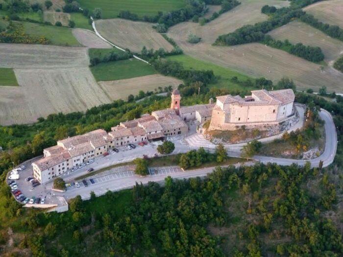 Gran Tour di Castello di Montepò nell'alta ristorazione italiana